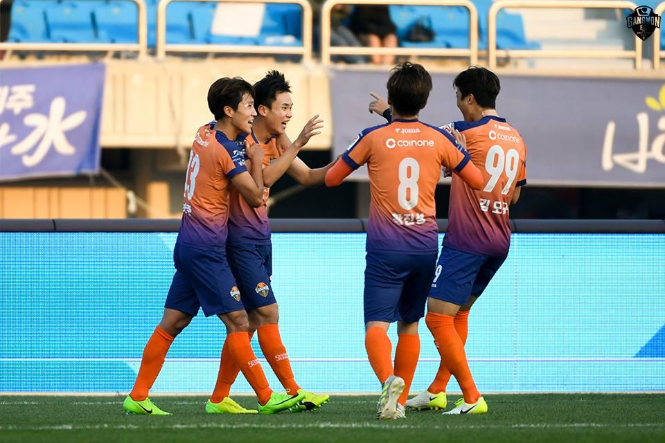 '화력 폭발' 강원FC, 역대 1부 리그 최다 득점-도움 경신